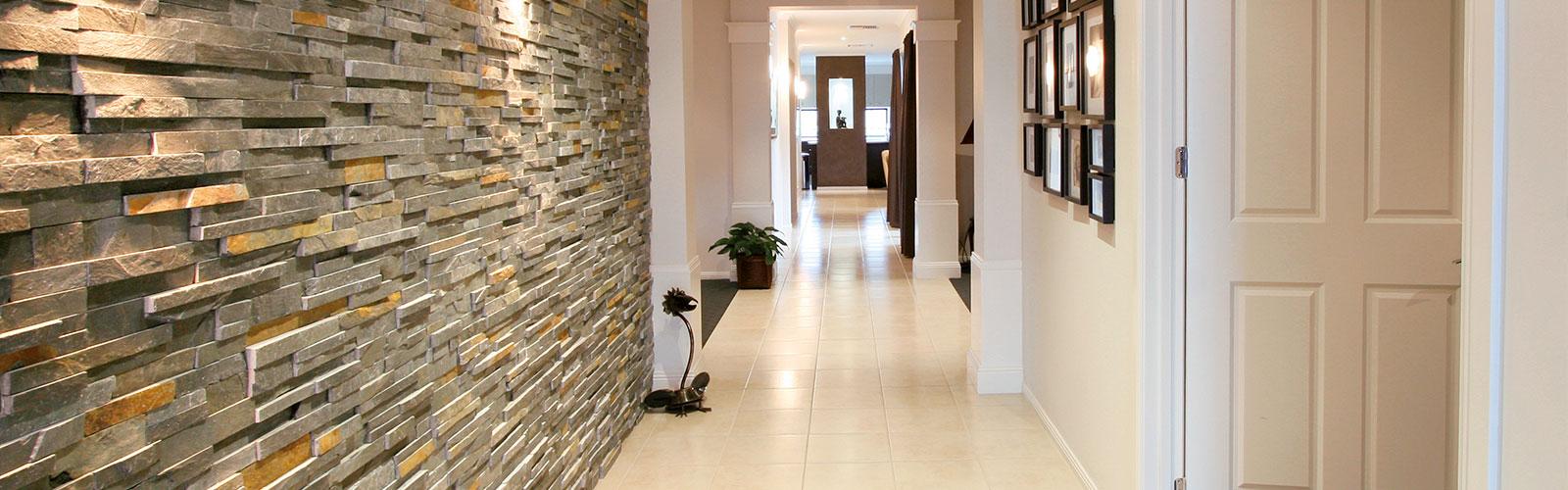 wandgestaltung natursteinverblender und putze von f b fliesen baustoffmarkt. Black Bedroom Furniture Sets. Home Design Ideas
